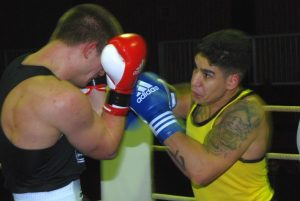 Tarek Baish (re.) im Nahkampf gegen Dominic Molzahn