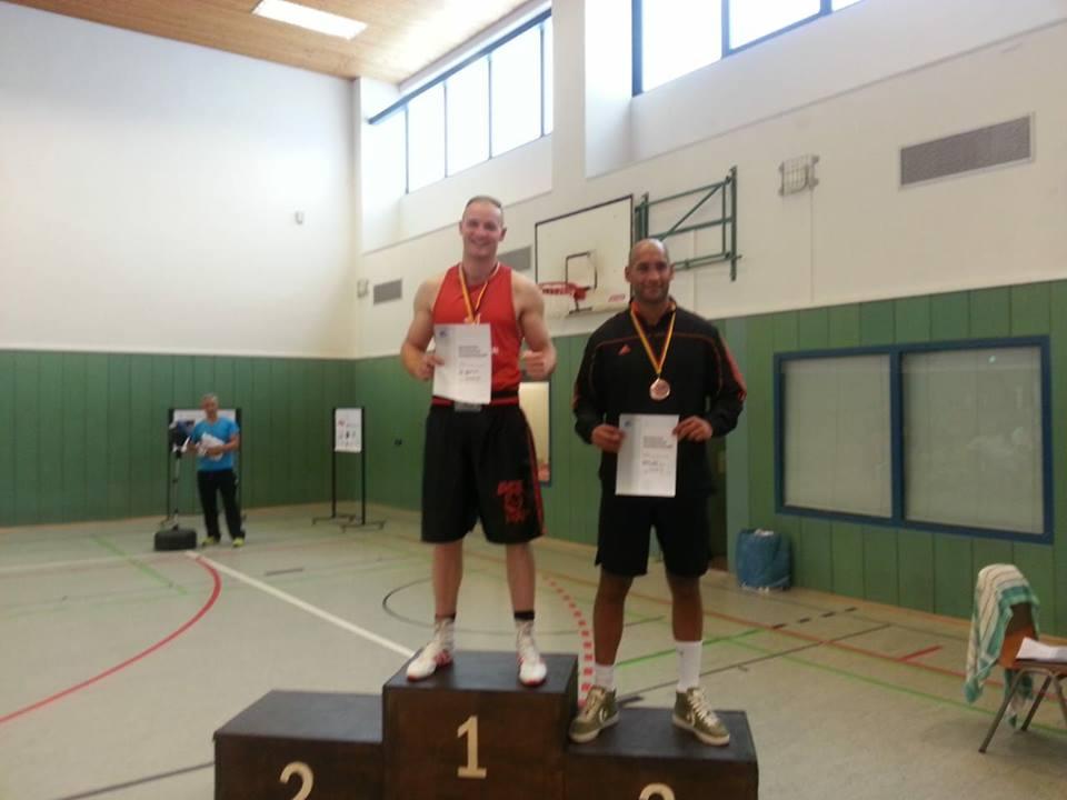 Titel für Max Degenhardt bei der Deutschen Hochschulmeisterschaft und viermal Gold beim Berlin-Lichtenberger Pokalturnier für AC Einigkeit-Boxer!